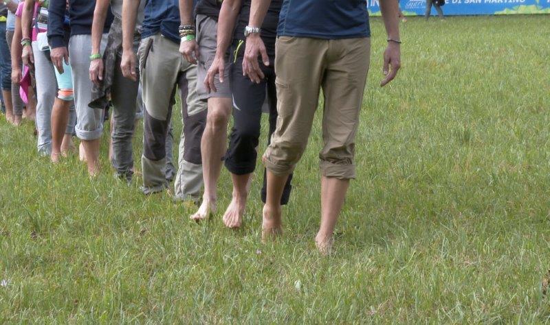 A piedi nudi nel Parco di Paneveggio ph mirko sotgiu foto 1