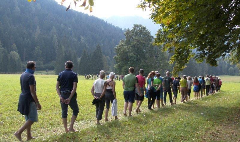 A piedi nudi nel Parco di Paneveggio ph mirko sotgiu foto 2
