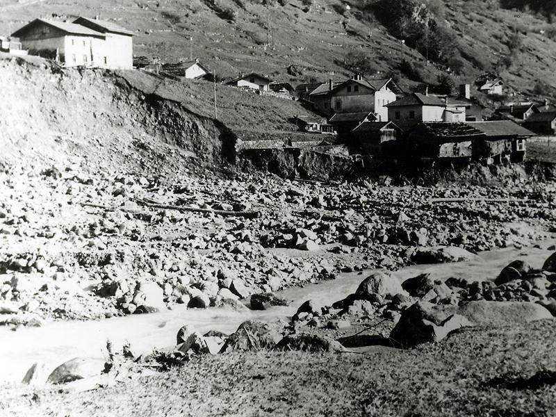 Caoria Sperandii dopo l'alluvione del 1966