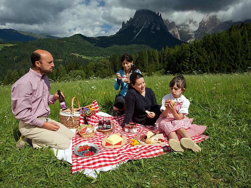 Passeggiate con l'asino Stada Formaggi Dolomiti