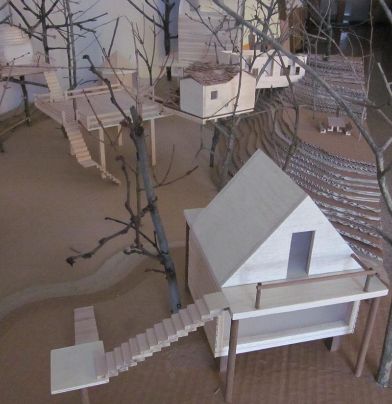 Plastico case sugli alberi 2