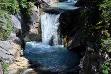 Quantificazione e gestione sostenibile delle risorse idriche rinnovabili nel gruppo montuoso delle Pale di San Martino attraverso l'analisi di idrogrammi e la modellizzazione numerica degli acquiferi