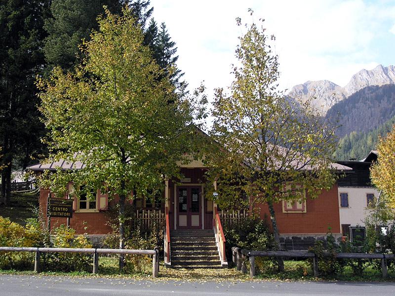 Centro-visitatori-del-Parco-a-San-Martino-di-Castrozza